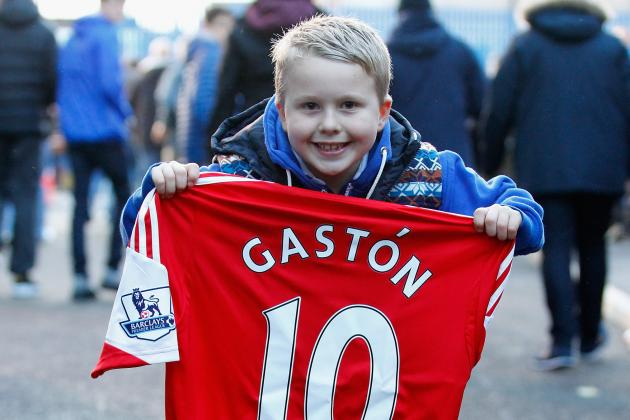 Gaston Ramirez Gives Shirt to Young Everton Fan, Gets Booked
