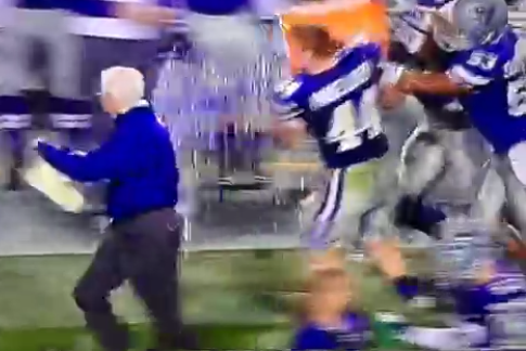 Kansas State Coach Bill Snyder Runs for Life to Get Away from Gatorade Shower