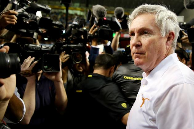 Reliving Texas Longhorns Football Coach Mack Brown's Final Night