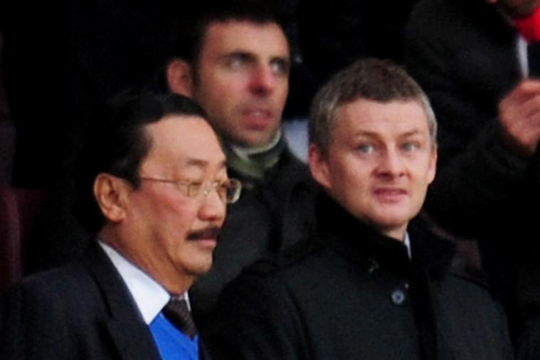 Ole Gunnar Solskjaer May Be Beside Vincent Tan, but He Doesn't Look Happy