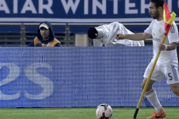 GIF: Dani Carvajal Tries to Beat the Corner Flag in Real Madrid vs. PSG, Fails