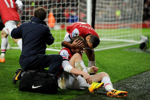 Nicklas Bendtner and Olivier Giroud Leave Arsenal with FA Cup Striker Crisis