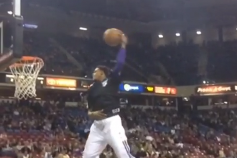 Sacramento Kings' Ben McLemore Shows off Ridiculous Hops with Pregame Dunk