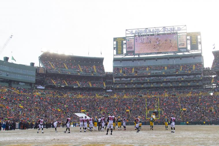Green Bay Packers Giving Fans Free Hot Beverages During Wild Card Game