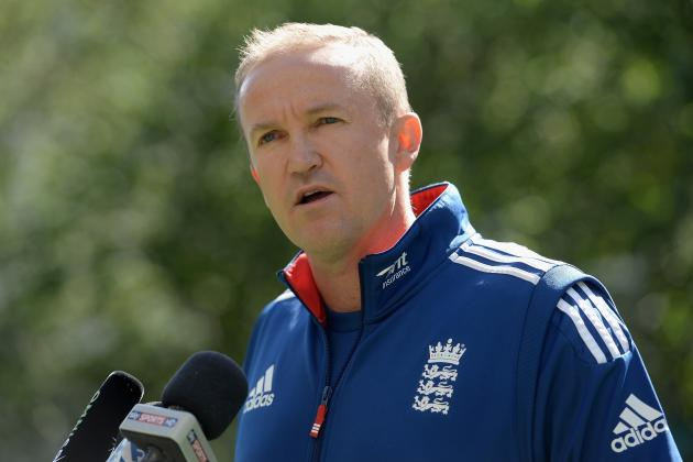 Should England Sack Andy Flower or Back Their Coach?