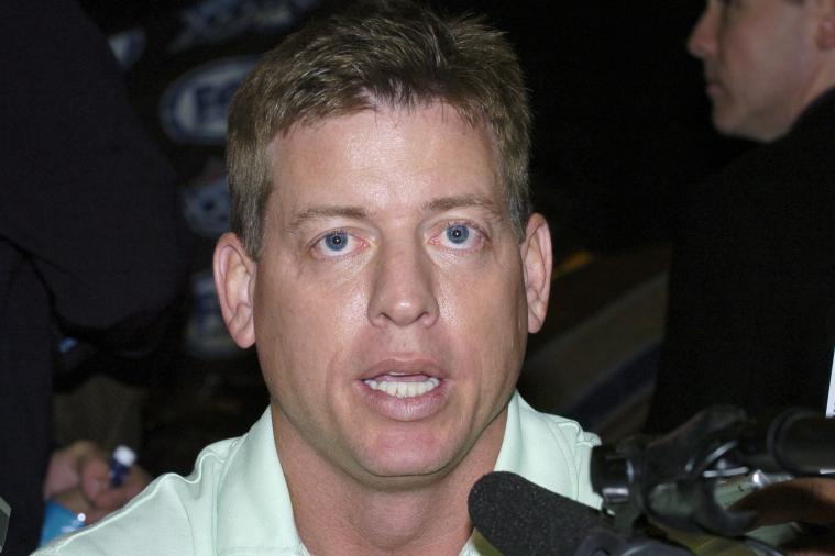 Montage of Troy Aikman's Facial Expressions over Four Years Is Mesmerizing