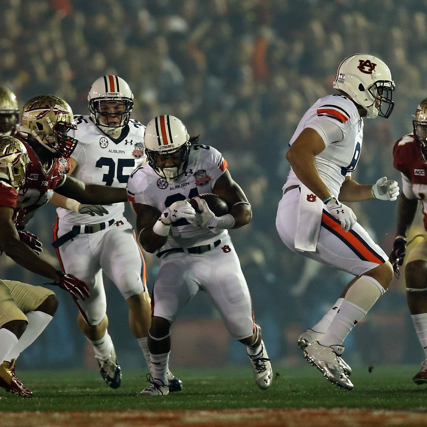 Hi res 461034019 running back tre mason of the auburn tigers rushes