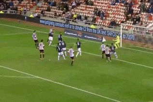 GIF: Ryan Giggs Own Goal Puts Sunderland Ahead Against Manchester United