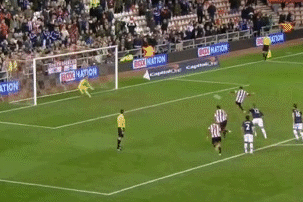 GIF: Fabio Borini Scores Penalty for Sunderland vs. Manchester United
