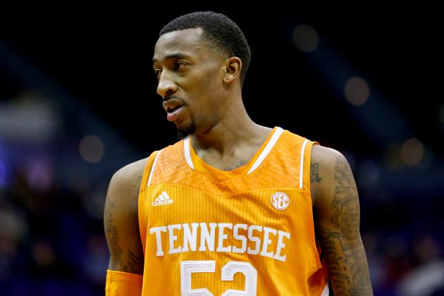 UT Vols Roll to Fourth Straight Win in SEC Opener Against LSU