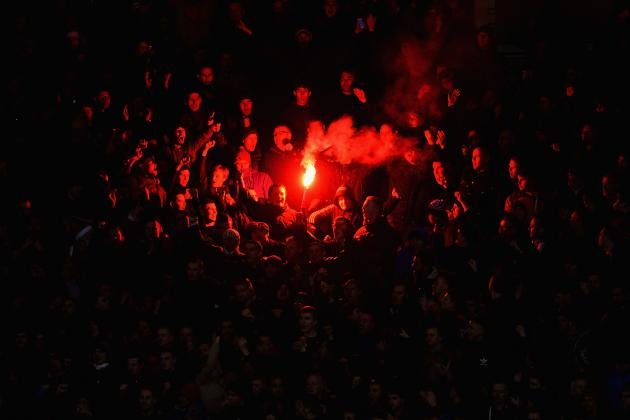 Manchester United Face FA Investigation Over Flares Thrown at Sunderland