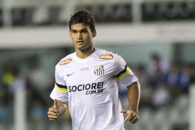 Real Madrid Transfer News: Santos Striker Willian Jose Announces Deal