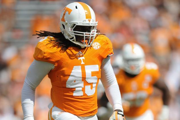 Linebacker A.J. Johnson Staying with Tennessee Vols