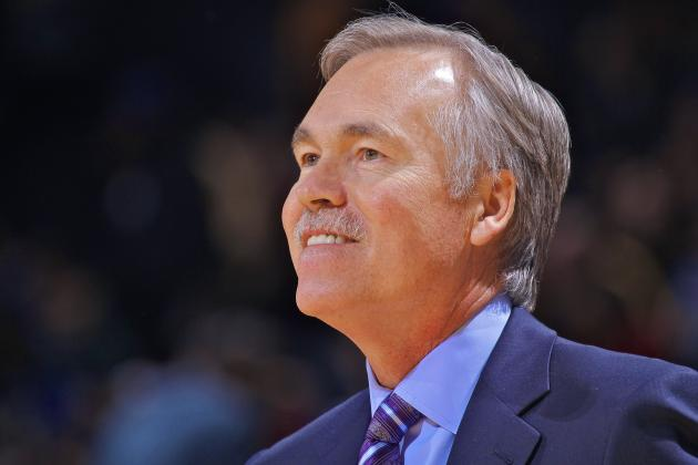 LA Lakers Coach Mike D'Antoni Gets Vote of Confidence from Mitch Kupchak