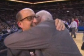 Gregg Popovich Hugs Jeff Van Gundy Between Quarters, Really