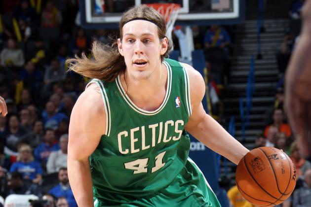 Kelly Olynyk Launches Point-Blank Floater Over the Backboard