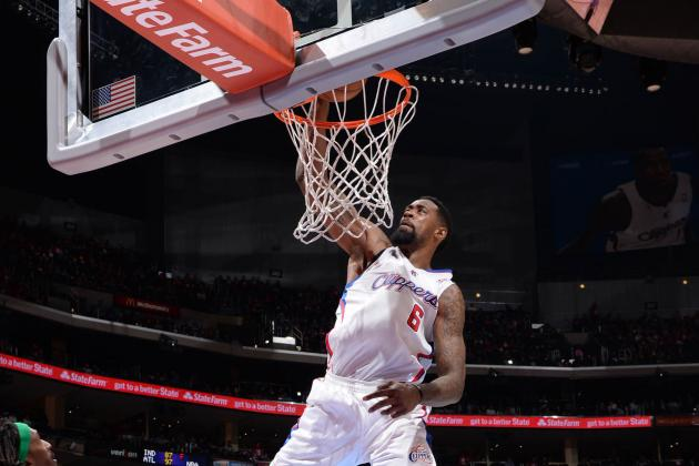 DeAndre Jordan Throws Down One-Handed Alley-Oop from Darren Collison