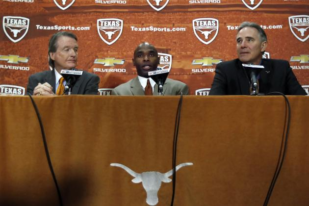 Texas Billionaire Booster Apologizes to New Coach Strong