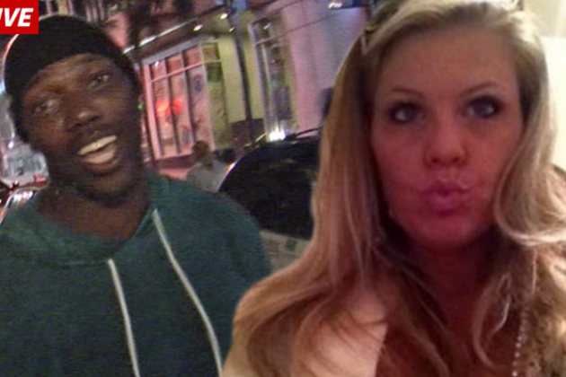 Report: Terrell Owens to Marry Postal Worker from Texas