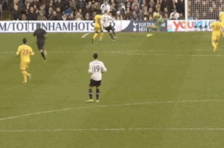 GIF: Christian Eriksen Gives Tottenham the Lead Against Crystal Palace