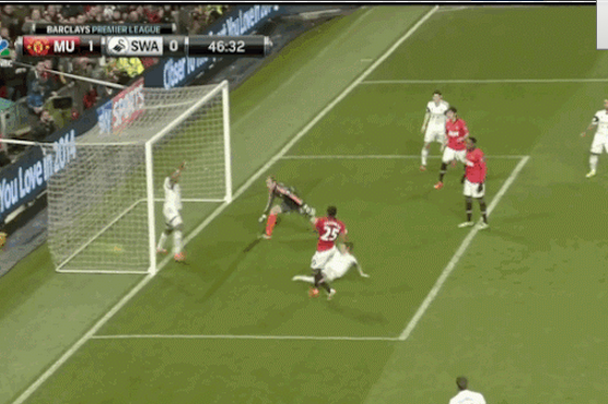 GIFs: Valencia, Welbeck Give Manchester United the Lead Against Swansea