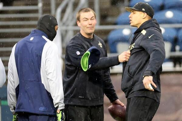 Jimmy Graham Gets in Scuffle with Seattle Seahawks Players Before Game