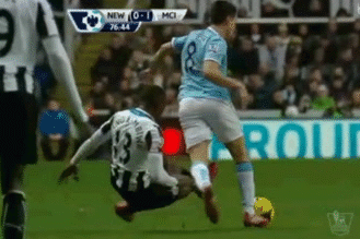 GIF: Mapou Yanga-Mbiwa Only Sees Yellow for Horror Tackle on Samir Nasri