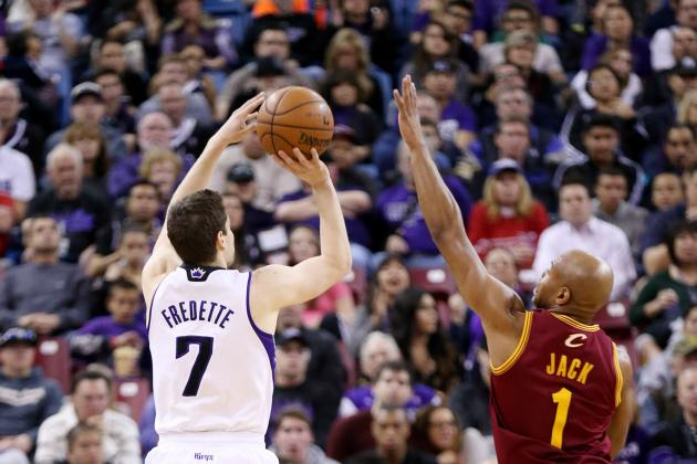 Thomas Has 26 to Lead Kings' Rout of Cavs