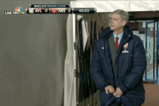 GIF: Arsene Wenger Struggles Zipping Up His Jacket...Again