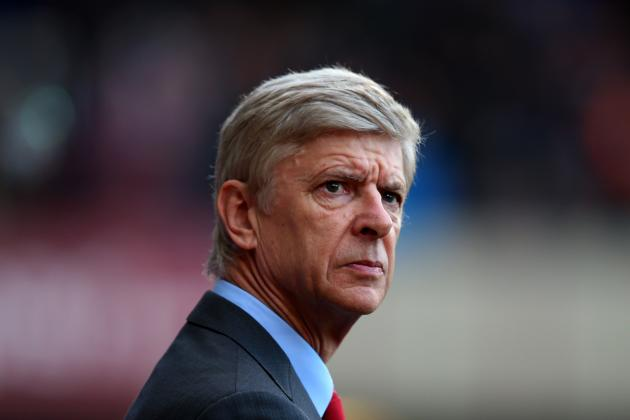 Arsene Wenger's New Arsenal Contract Reportedly Delayed by Bacary Sagna