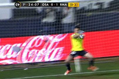 GIF: Osasuna's Andres Fernandez Allows a Howler to Cristiano Ronaldo