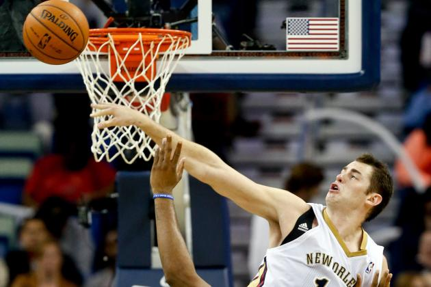 Jason Smith Sends Chandler Parsons' Dunk Attempt the Other Direction