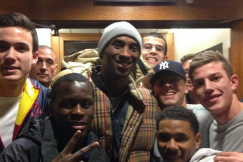 Kobe Bryant Sits in on Boston College Marketing Class to Amusement of Students