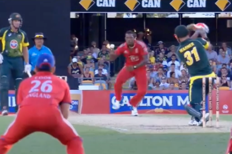 GIF: Chris Jordan's Return Catch to Dismiss David Warner Is Exceptional