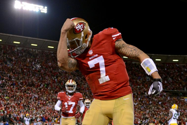 49ers Quarterback Colin Kaepernick Signs a Fan's 'Kaepernicking' Tattoo