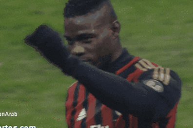 GIF: Mario Balotelli and Clarence Seedorf Exchange Gestures as Milan Win