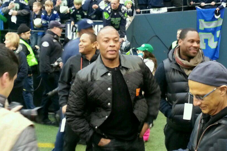 Dr. Dre Shows Up at the Seahawks vs. 49ers Matchup, Twitter Goes Nuts