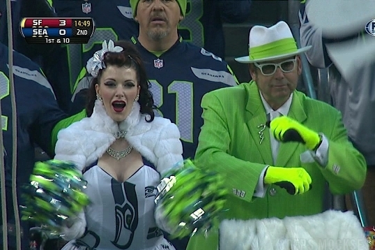 Here Are the Two Weirdest Seahawks Fans at Today's Seahawks-49ers