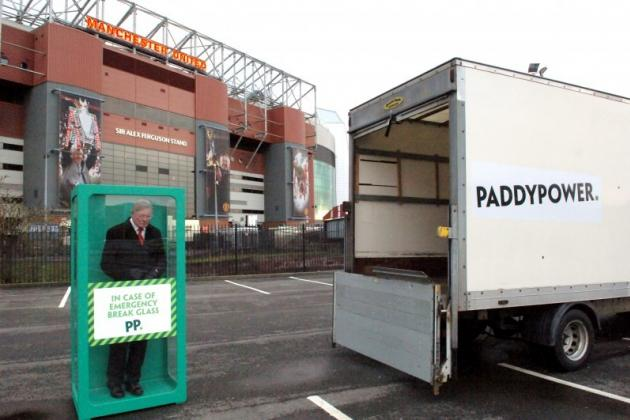 'Emergency Sir Alex Ferguson' Dropped Outside Manchester United's Old Trafford