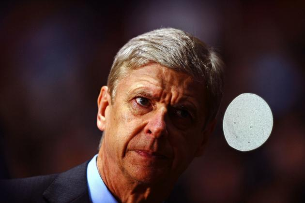 Arsenal Fans Should Be Wary of an Arsene Wenger Bearing Transfer Gifts