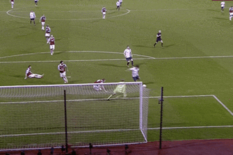 GIF: Sergio Aguero Produces Deft Finish for Manchester City vs. West Ham