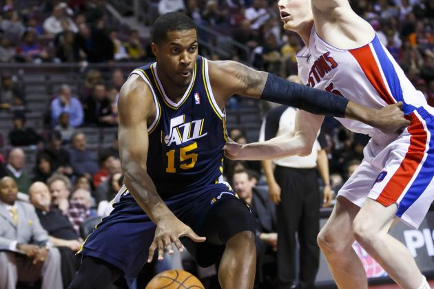 Favors Inactive vs. T-Wolves with Hip Strain