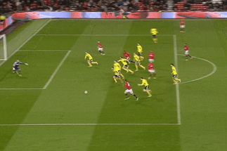 GIF: Hernandez Redeems David De Gea Howler for Manchester United vs. Sunderland