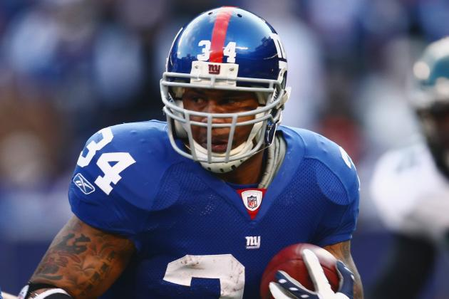 Ex-Giants' RB Ward Comes out Swinging at NFL