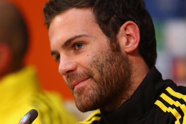 Juan Mata Arrives at Manchester United in a Helicopter