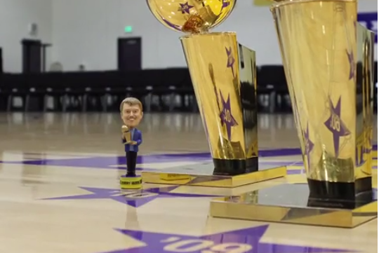 Lakers Honor Late Owner Jerry Buss with Bobblehead