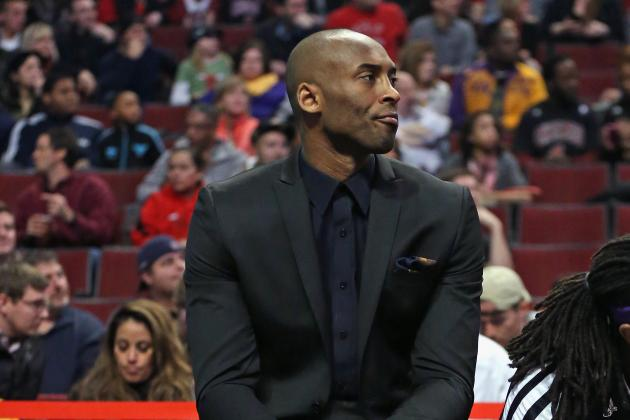 Kobe Bryant Says Knee Swelling Is