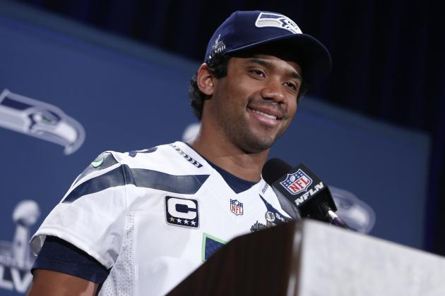 Russell Wilson Appears on 2014 Topps Baseball Card After Rule 5 Draft by Rangers