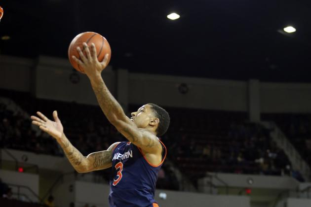 Auburn Snaps 16-Gm SEC Skid with Win over Bama