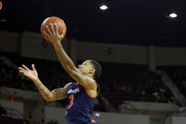 Auburn Halts SEC Skid with 74-55 in over Alabama